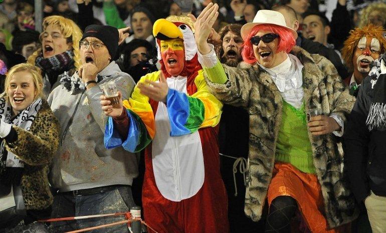 Voorverkoop carnavalsmatch