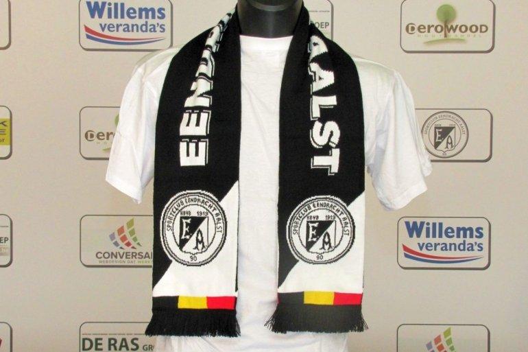 Nieuwe sjaal beschikbaar in de fanshop!