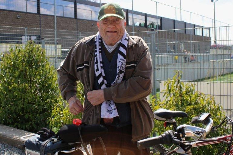 Herman volgt den Iendracht per fiets
